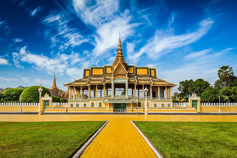 พระบรมราชวังจตุมุขสิริมงคล (Royal Palace Of Phnom Penh) · พนมเปญ (Phnom  Penh) · World Tour Center เที่ยวส่วนตัว เที่ยวกับทัวร์ ครบทุกเส้นทาง