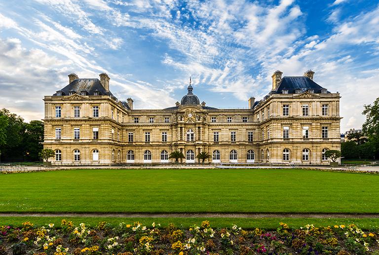 พระราชวังลุกซ็องบูร์ (Palais du Luxembourg หรือ Luxembourg Palace) ·  เมืองปารีส (Paris) · World Tour Center เที่ยวส่วนตัว เที่ยวกับทัวร์  ครบทุกเส้นทาง