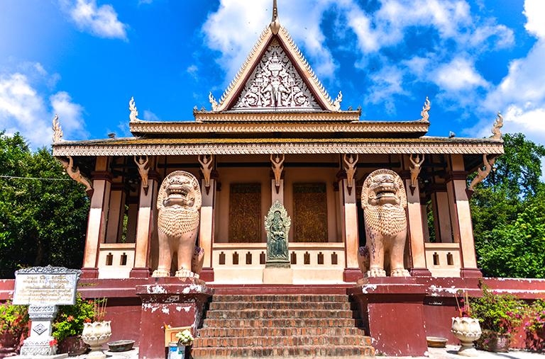 วัดพนม (Wat Phnom) · พนมเปญ (Phnom Penh) · World Tour Center เที่ยวส่วนตัว  เที่ยวกับทัวร์ ครบทุกเส้นทาง